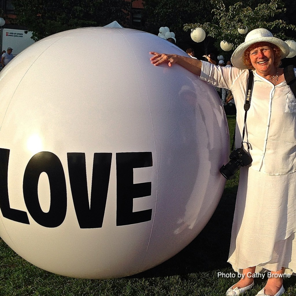 Finding love at Dîner en Blanc!